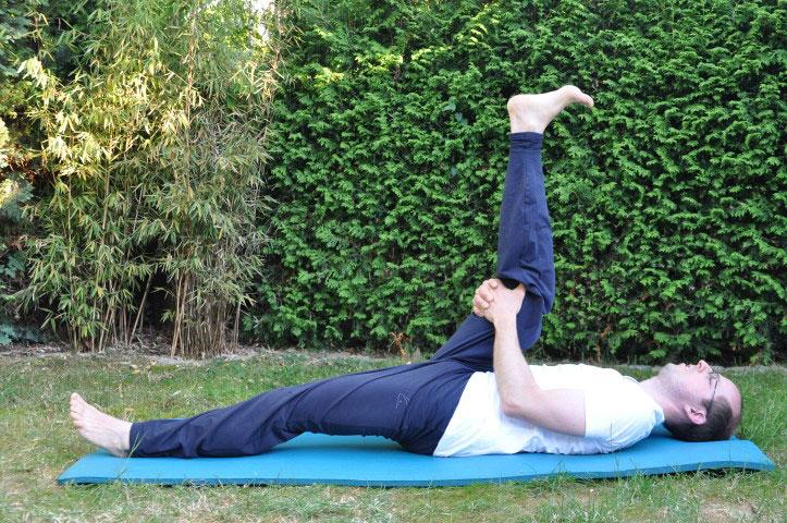 Rückenübungen gegen Rückenschmerzen - Beinheber