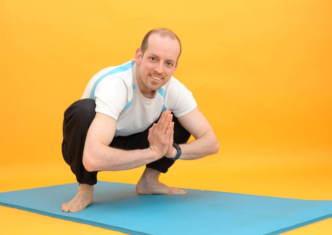 Rückenübungen bei Rückenschmerzen - Tiefe Hocke