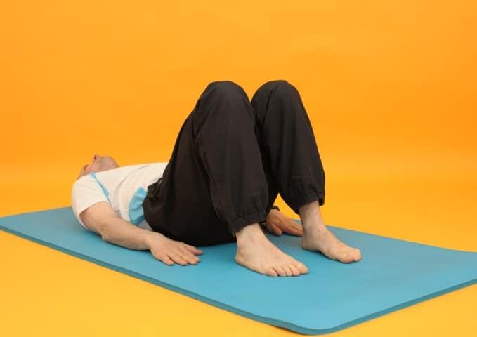 Rückenübungen - Rückenbrücke Ausgangsposition
