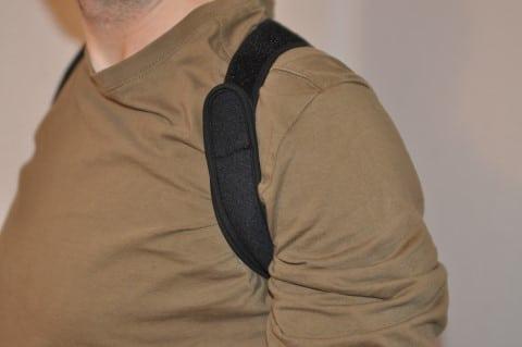 Geradehalter Rücken VITALFABRIK spannt an den Achseln